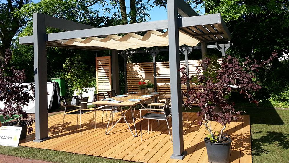 Freisitz Mit Gartenmöbeln Und Terrassendielen Slide Holz Schroeer