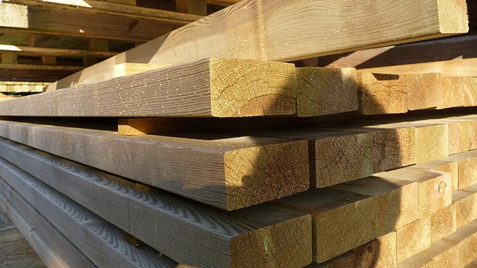 Holz im Garten: Konstruktionshölzer von Holz-Schröer