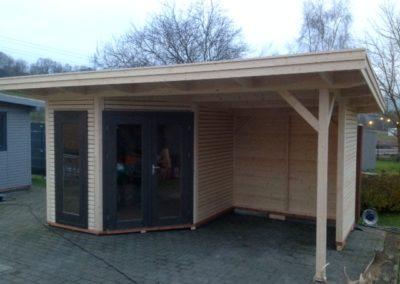 CS 5-Eck-Gartenhaus mit Terrasse und Flachdach