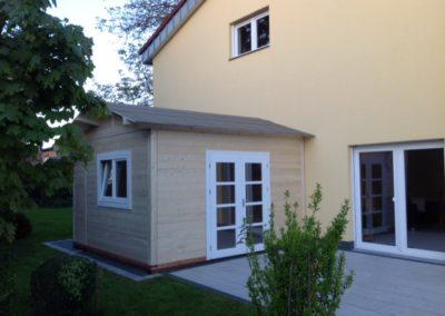 CS Gartenhaus als Anlehnhaus an vorhandenem Wohnhaus