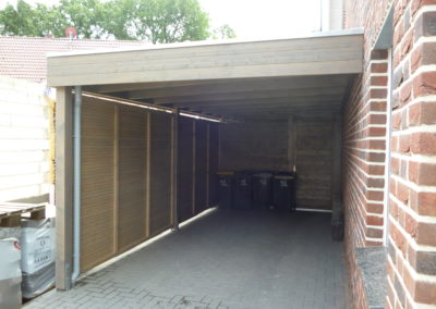 CS Holzgarage mit Seitenverkleidung und Tür