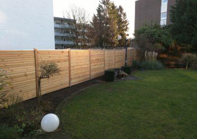 Sichtschutz Holz Lärche Rautenprofil geschlossen