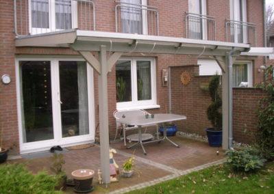 Terrassenüberdachung auf Maß mit Stegplatten
